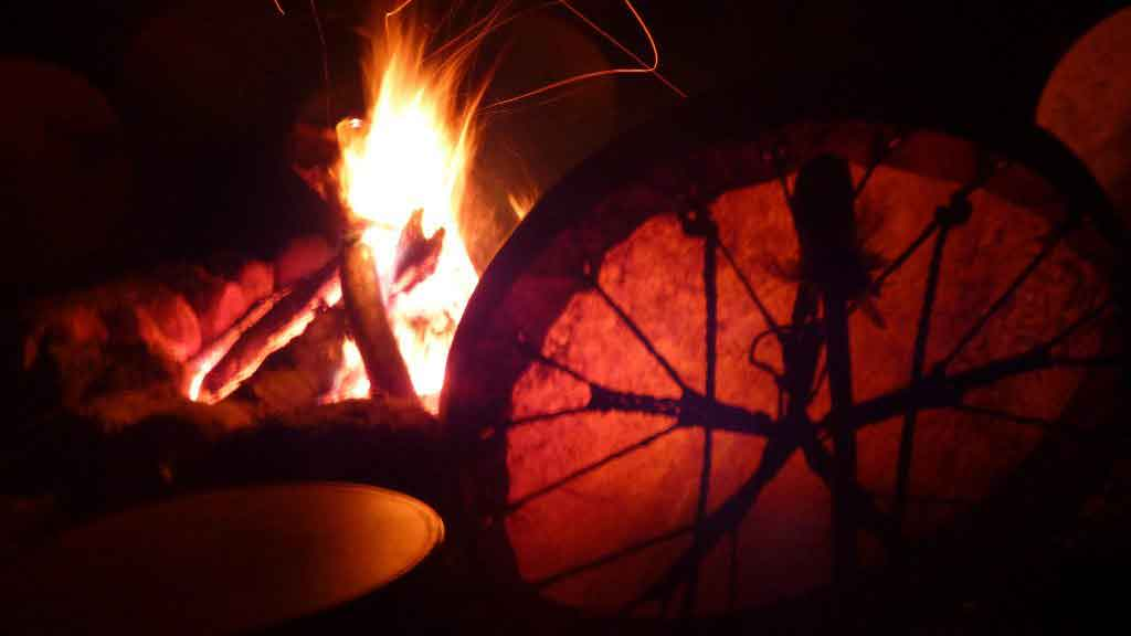 Cercle de tambours chamaniques #CercleTambourChamanique#TambourChamanique#chamanisme#PratiqueChamanique#ChamanismeEnSuisse#InitiationChamanique#EveilChamanique#StageEveilChamanique#chamane#chamanique
